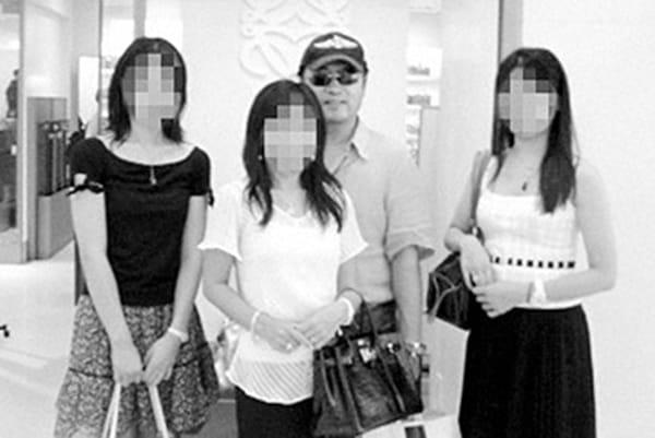 """妻3人にカノジョ13人…59歳""""一夫多妻""""男性の型破り生活"""