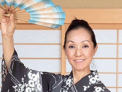 70年代カネボウキャンギャル服部まこ 今は日本舞踊の名取に