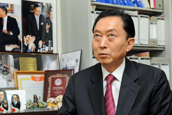 「そう、私は宇宙人です」鳩山由紀夫、総バッシングに反論