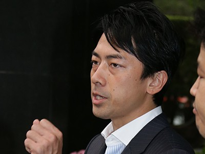 小泉進次郎「入閣拒否」安倍官邸に宣戦布告の一部始終