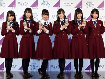 乃木坂46、選抜メンバーが透明感あふれる「湧き水の妖精」に!