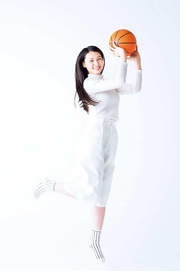 相楽伊織、モデル志望のスポーツ万能おっとり系