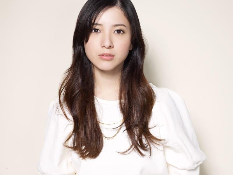 可愛い顔の吉高由里子