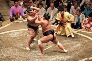 【大相撲職人たちの匠の技】(3)番付は「行司」が書いていた!