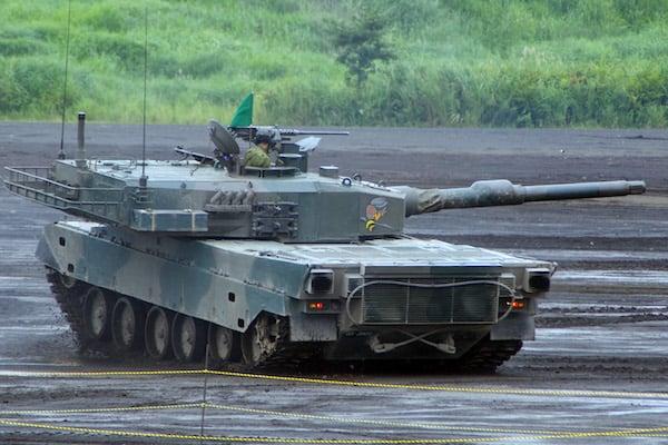 空前の戦車ブーム! 世界最強「10式戦車」の秘密
