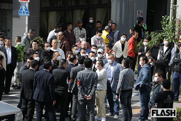 「伝説の組長」緊急帰国でヤクザ100人が集結