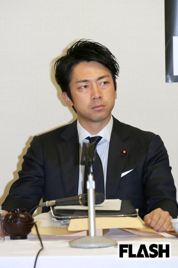 真っ青「安倍首相」を追い撃つ進次郎の「赤い爆弾」