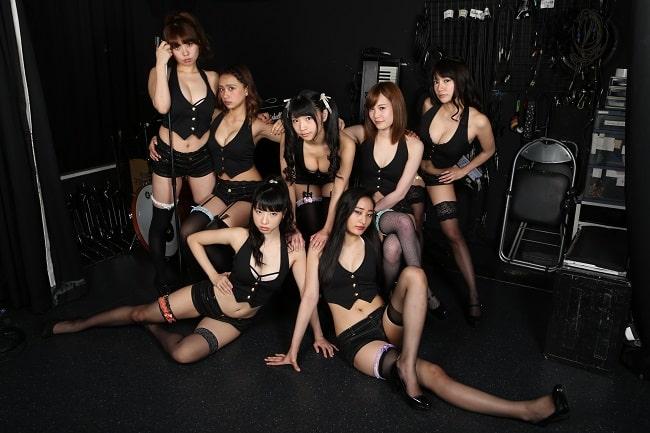 本誌発のグラドルパフォーマンスユニット・G☆Girlsが メンバー内でセンター争奪ダンスバトルを開催!