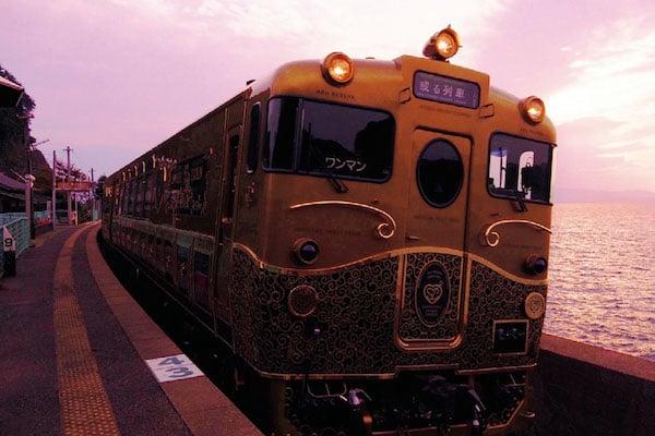 2015年8月8日運行開始「或る列車」(JR九州)