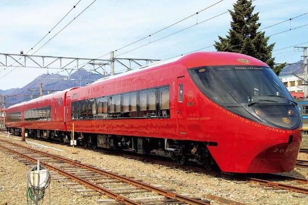 2016年4月23日運行開始「富士山ビュー特急」(富士急行)