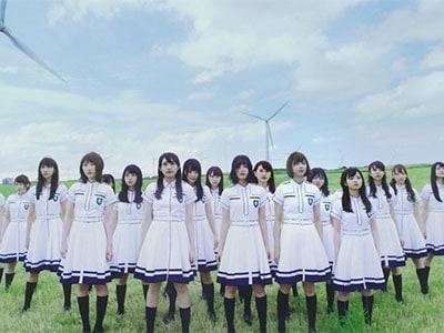 センター平手友梨奈が叫ぶ!欅坂46、2ndシングル「世界には愛しかない」…
