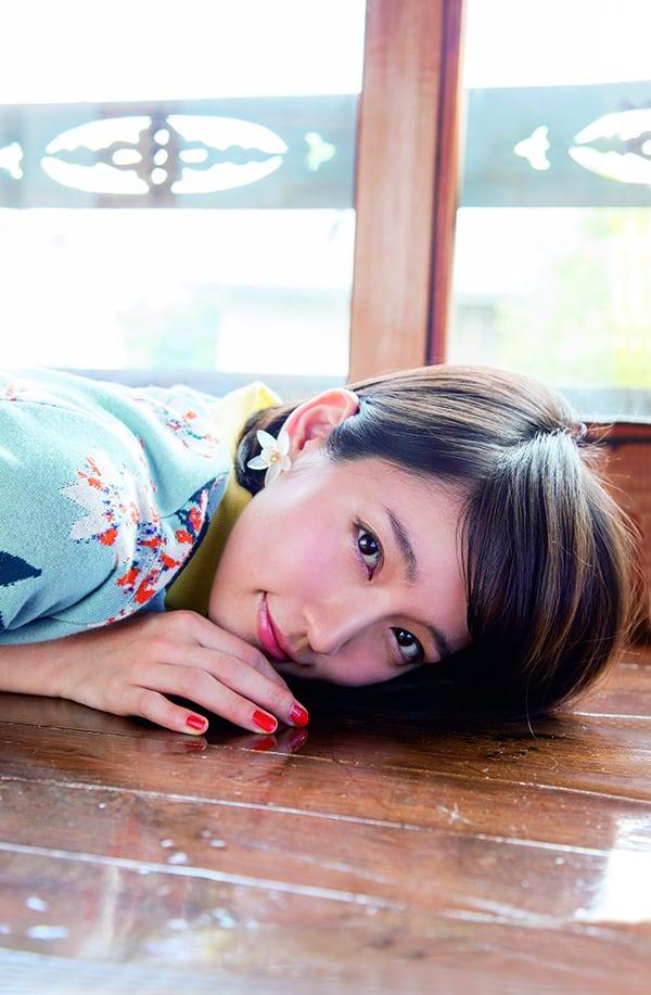 吉岡里帆、「ゼクシィ」9代目 CMガールに選ばれた新進女優を下町エリア谷根千で撮り下ろし