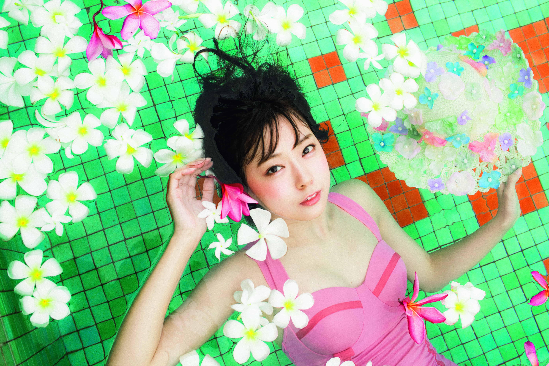 みるきーの魅力がまるごと詰まった、渡辺美優紀ファーストスタイルブック「M…