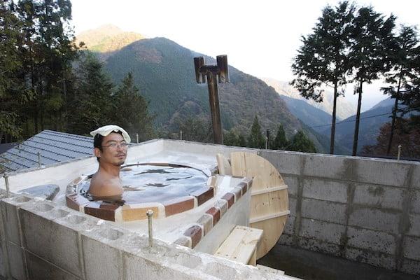【東京「古民家」再生記】(7)五右衛門風呂を作ったぜ!