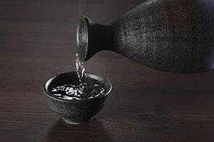【QUIZで鍛えるビジネス算数脳】最高級純米吟醸樽酒の販売