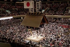大相撲はどうして国技になったのか、これが2000年の歴史だ