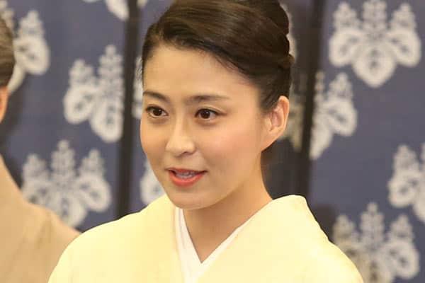 """小林麻央 前向きブログ後押しする""""奇跡""""のカリスマ美人女医"""