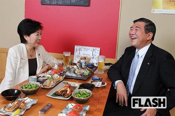 政治信条が近い2人。2010年の野党時代に居酒屋で対談。「自民党改革案」で大いに盛り上がった