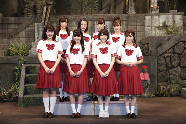 乃木坂46、本格舞台『墓場、女子高生』開幕!