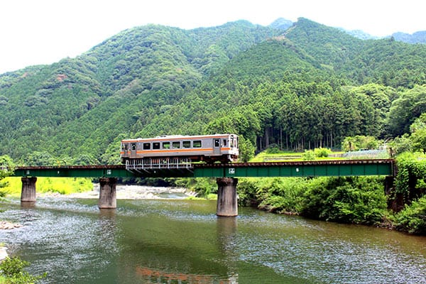 riverside_train_namatsusen
