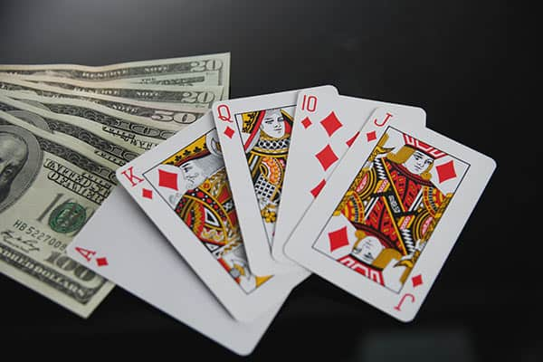 安倍内閣がご執心「カジノ法案」で人生すっからかんになる人も