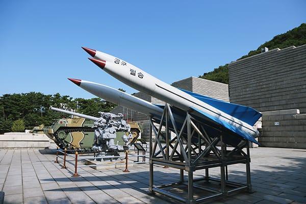 追い詰められた朴槿恵大統領「窮余の一手」で北朝鮮と戦争?