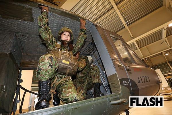 見よ!日本最強のパラシュート部隊「第一空挺団」の落下傘技術