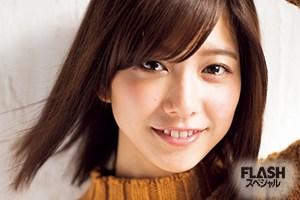 欅坂46 渡邉理佐、欅坂46の美の象徴!べりさの貴重なメガネショット!