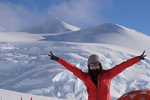 社員がリレー形式で「世界7大陸最高峰」を目指す不思議な会社