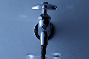 水道法改正で「日本の水」がハゲタカ外資に乗っ取られる!