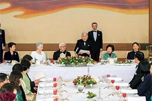 天皇陛下「宮中晩餐」はフランス料理、では和食はいつ食べる?