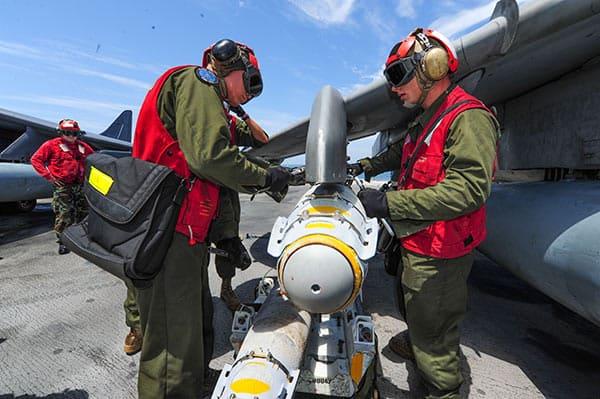 米軍の北朝鮮攻撃を支えるのはステルス戦闘機に積むJDAM弾