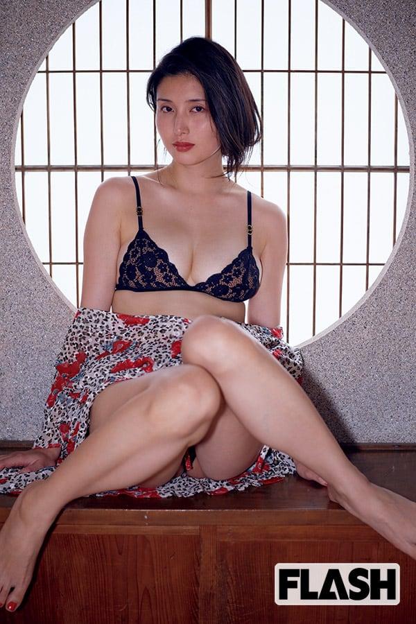 橋本マナミ「終わらぬ恋慕」