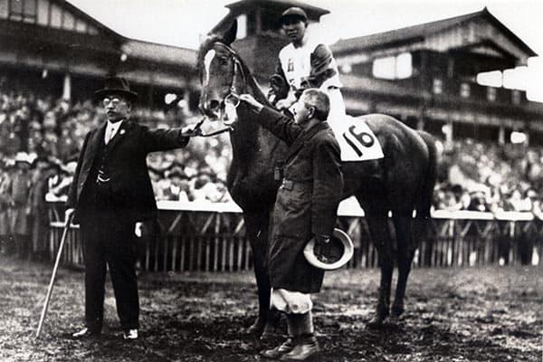『1932年、記念すべき第1回はワカタカが優勝(写真:JRA)』