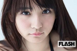 「童顔巨乳」旋風を巻き起こしている、浅川梨奈の魅力が詰まったデジタル写真…