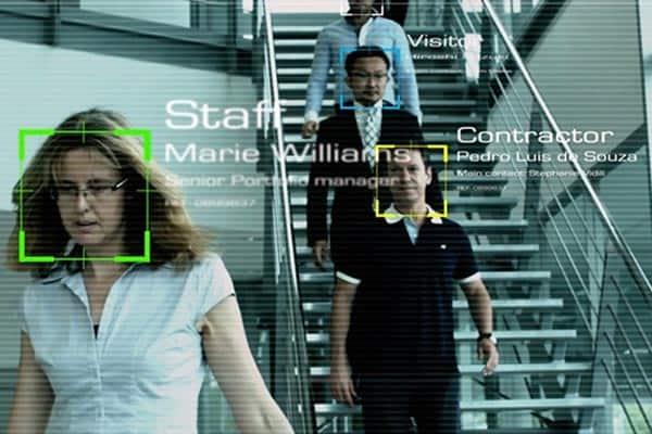 世界最強の顔認証システムは「整形美女」も判別可能