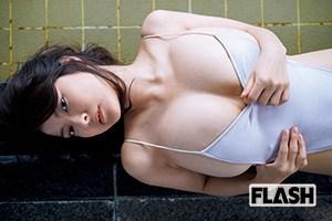 花井美理「はみ出し200%増量中!」