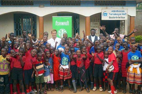 ウガンダでクラブチーム買収「本田圭佑」意外な社会貢献ぶり