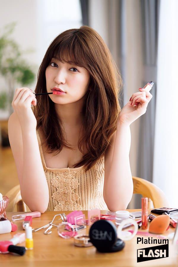 NMB48吉田朱里グラビア【Make up!】Platinum FLASH(プラチナフラッシュ)