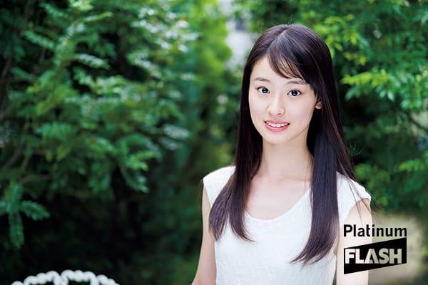 井本彩花グラビア「はじめて。」Platinum FLASH(プラチナフラッシュ)