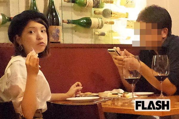 川島海荷がTBS「ちょいワル」局員と手つなぎ