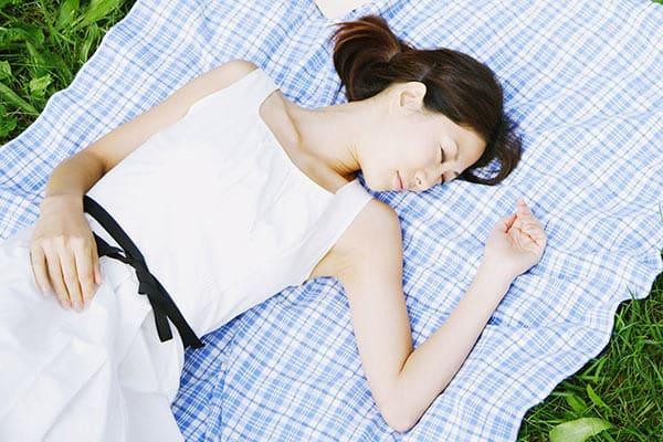 「昼寝で仕事が効率アップ」いったい誰が言い出したのか