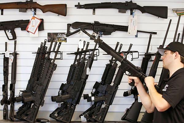 町山智浩が「ラスベガス銃乱射」で銃規制の困難さを語った