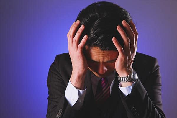 「朝痛むのは脳腫瘍」ほか40代を襲う「危険な頭痛」
