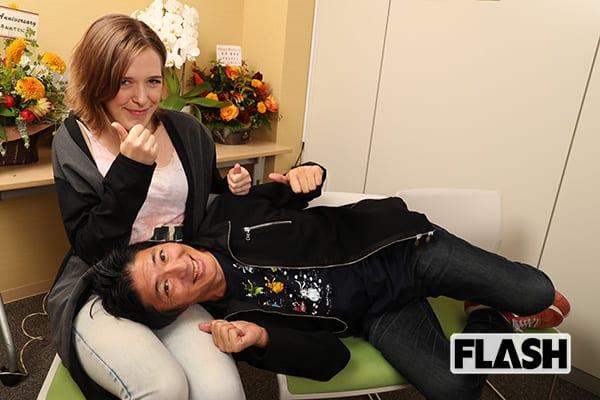 長井秀和「18歳年下」ドイツ人妻とおのろけ撮