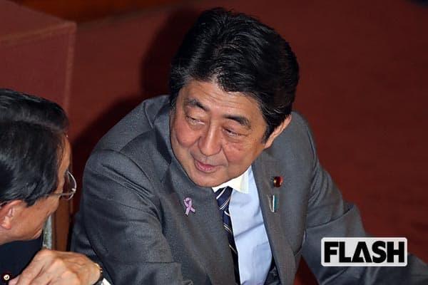 安倍首相と朝日新聞が「退位」めぐって子供のケンカ
