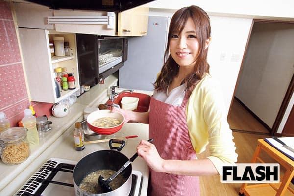 美熟女のキッチン秋山ゆうが教える「秋の絶倫レシピ」