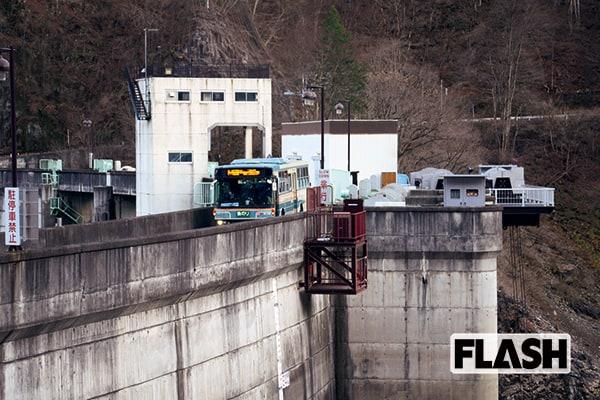 狭い道から渡し船まで…東京周辺「インスタ映え」路線バス旅