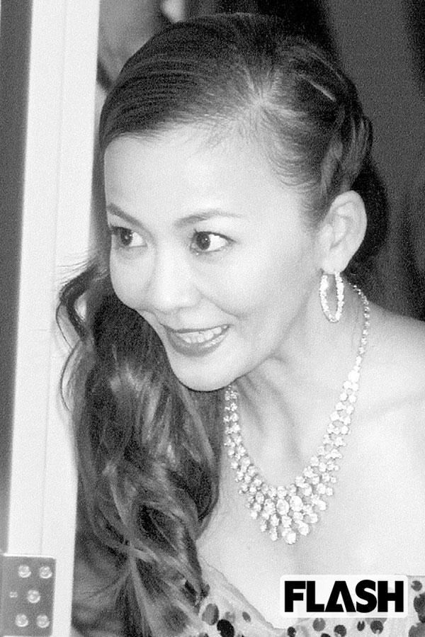 5000万円で母親と交渉「華原朋美」幻のヘアヌード写真集