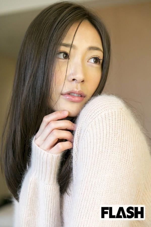 広島のアイドル「宮脇静香」最初で最後の水着グラビア